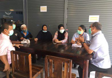 ศูนย์ปฏิบัติการเฝ้าระวังการแพร่ระบาดของโรคติดเชื้อไวรัสโคโรนา 2019 อ.กะทู้  ลงพื้นที่ให้ความรู้แก่คณะกรรมการมัสยิด ต.ป่าตอง